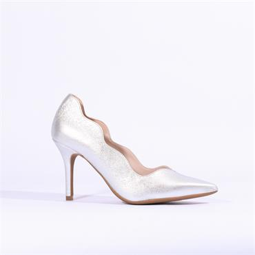 Marian Scallop Edge Leather Heel Dafne - Silver